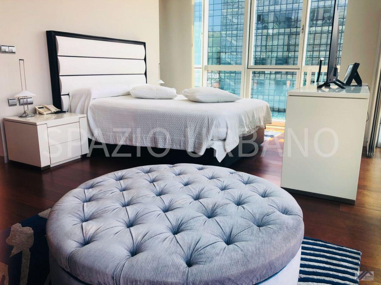 Quarto de um apartamento à venda em Bilbao, Espanha: custa 850.000 euros