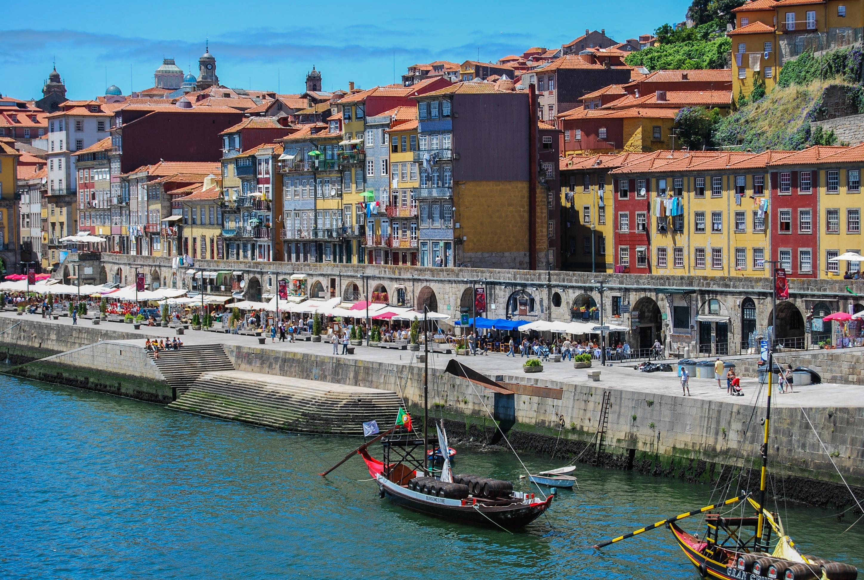 Um vinho do Porto na Ribeira