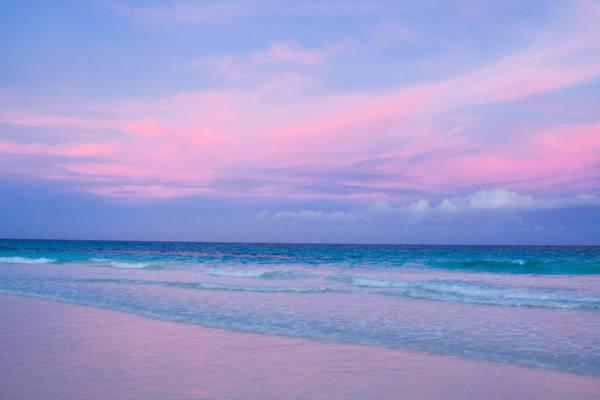 Praias de areia rosa