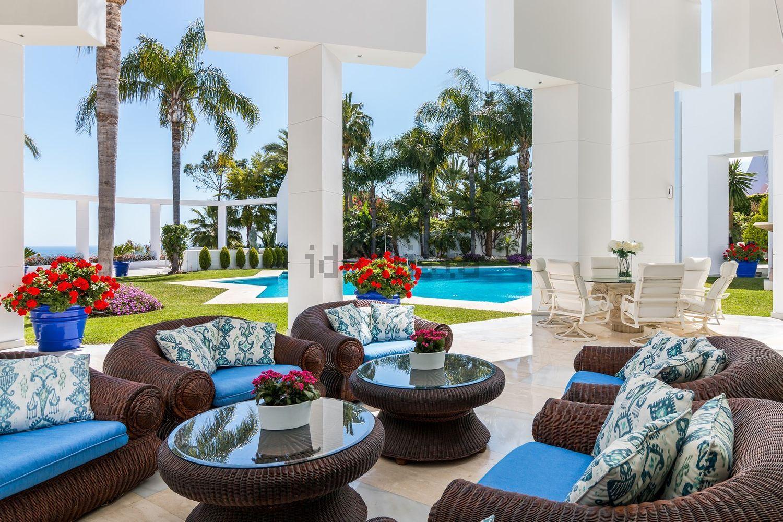 Imaginas-te a descansar neste terraço?