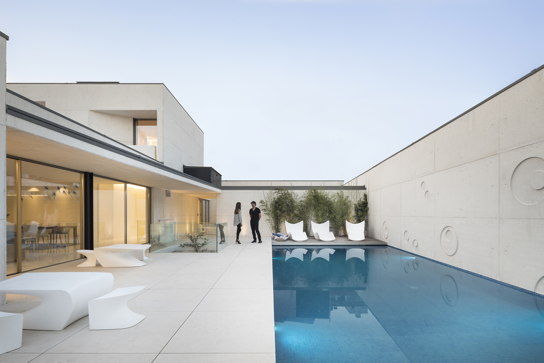 A piscina de horizonte infinito