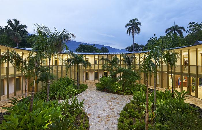 França, em Port-Au-Prince