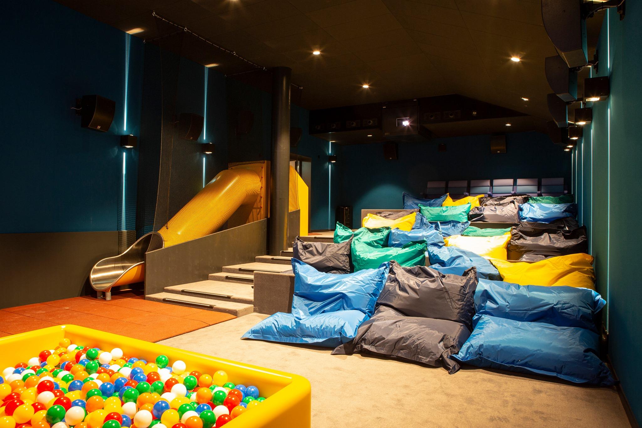 Uma sala de cinema pensada para os mais pequenos