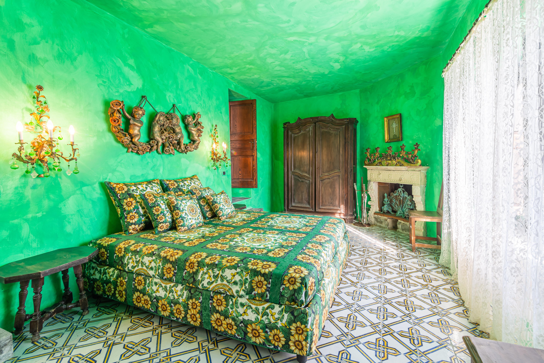 E outro quarto