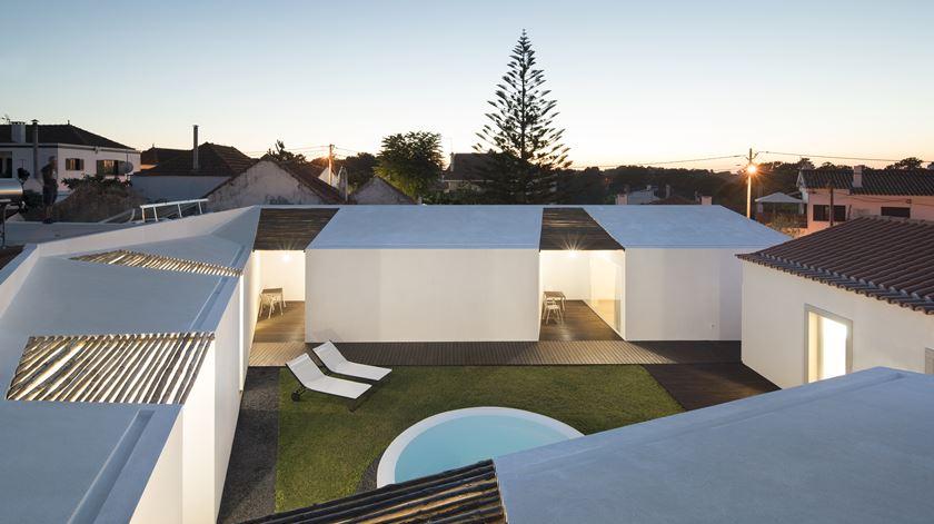 Guesthouse Pátio do Meco, do atelier de Fábio Ferreira Neves