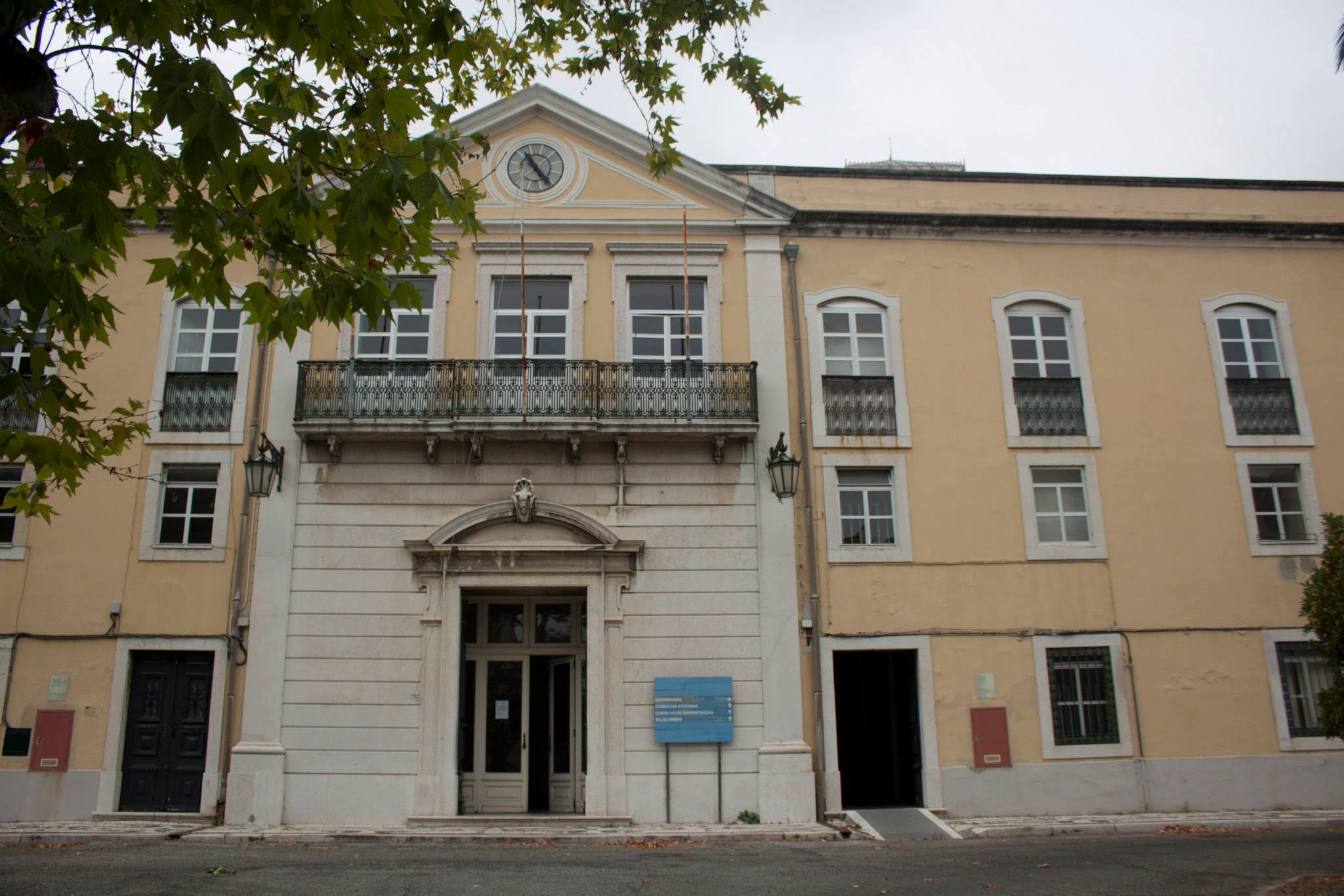 Hospital Miguel Bombarda, em Lisboa, um dos edifícios que será reabilitado / Wikimedia commons