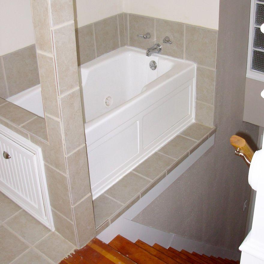 Uma banheira nas escadas