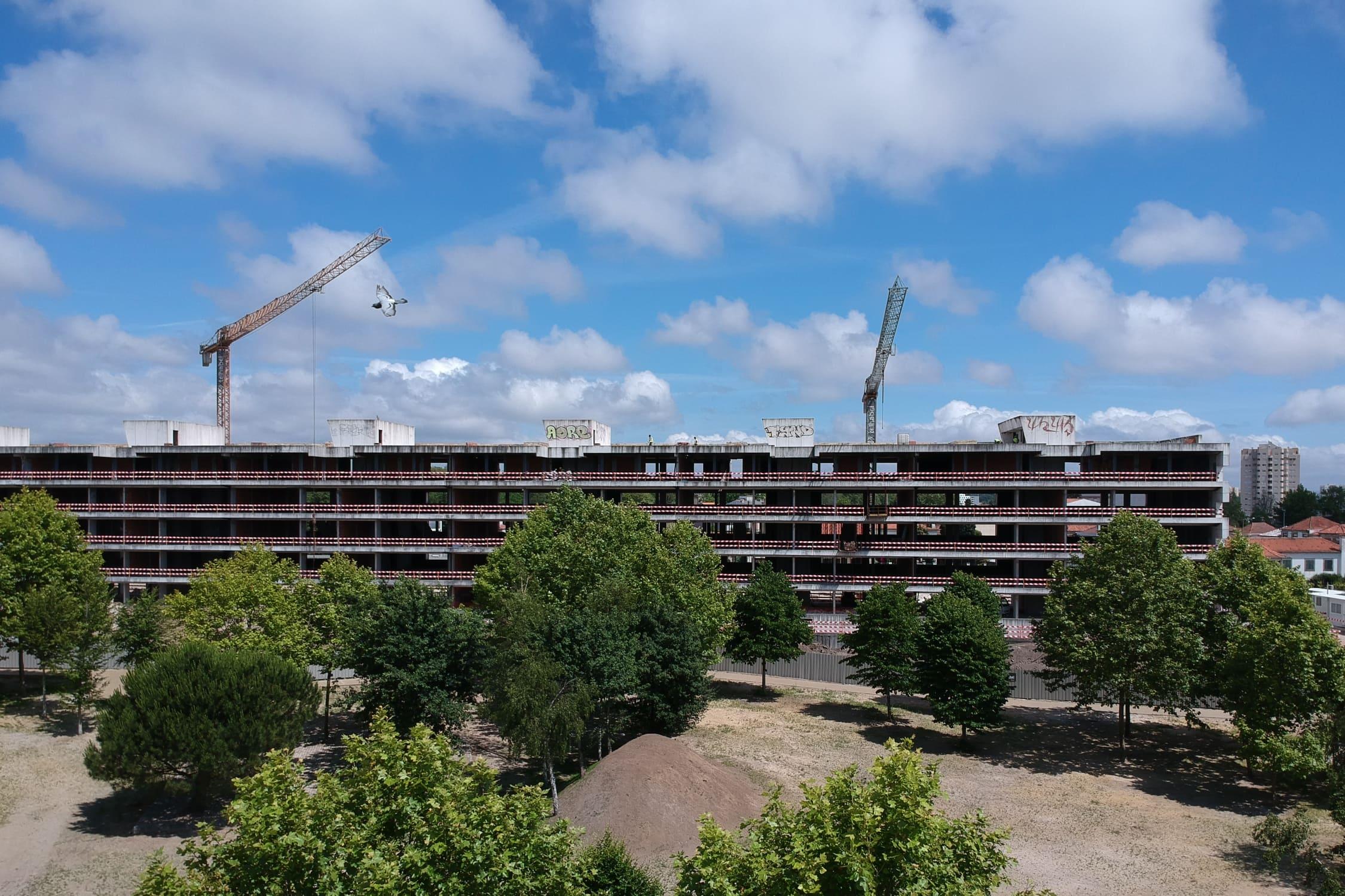 Edifício Delfim Pereira da Costa deve estar concluído em agosto de 2020 / Telhabel