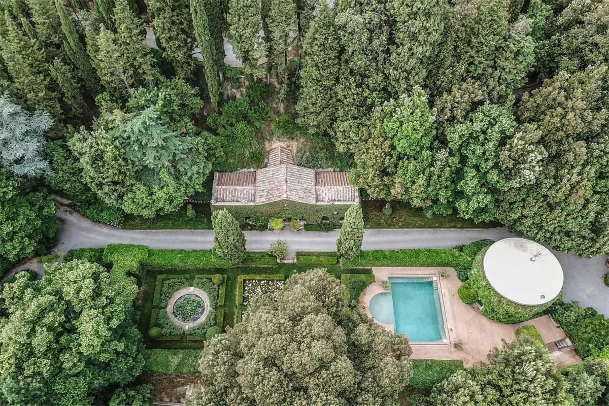 A casa de Valentino na Toscana