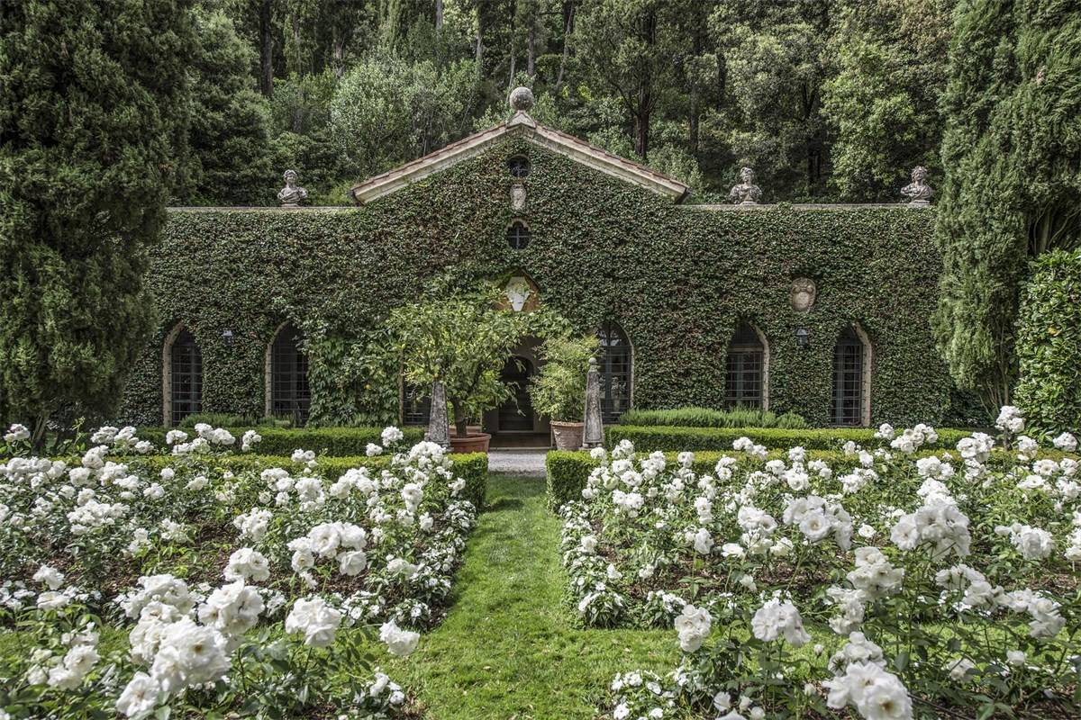 A mansão tem 1.600 m2