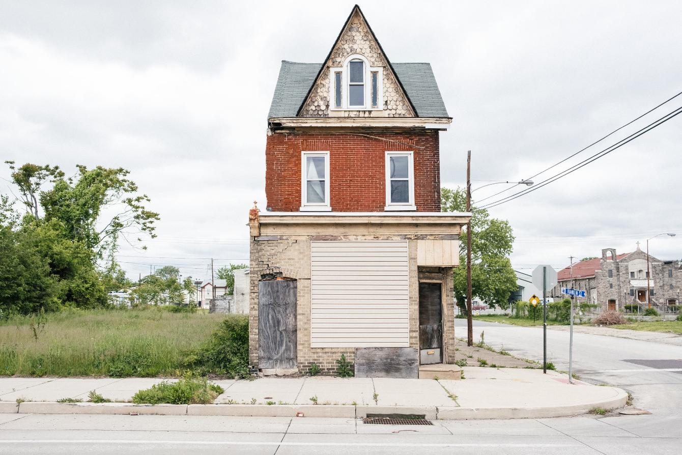 Mais uma casa abandonada