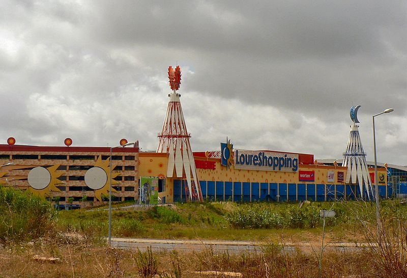 O LoureShopping tem 42 mil m2 / Paulo Juntas/Wikimedia Commons