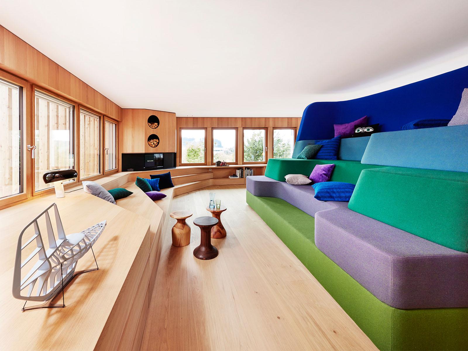 As cores realçam a madeira