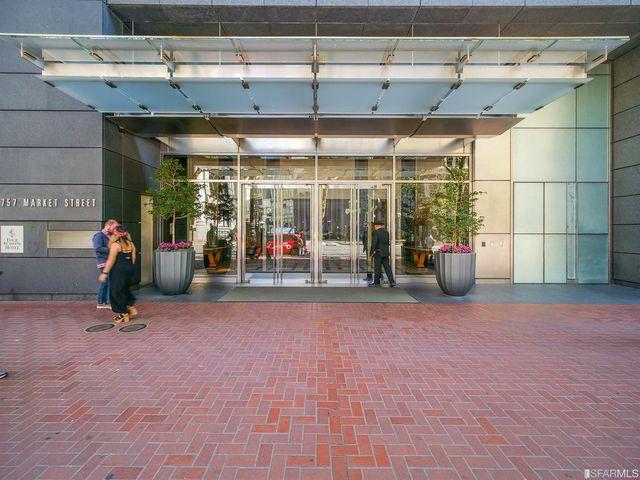 A entrada no hotel