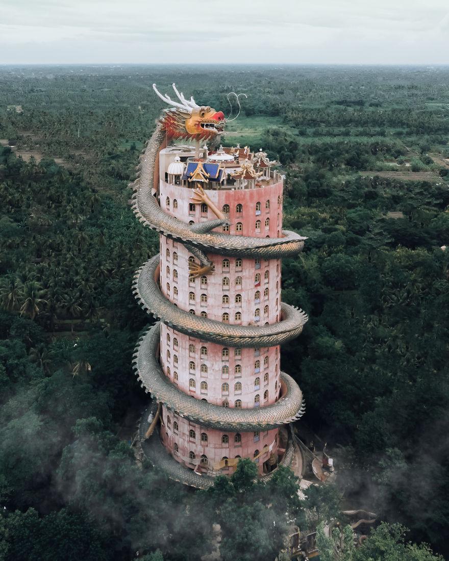Dragon Temple, Tailândia