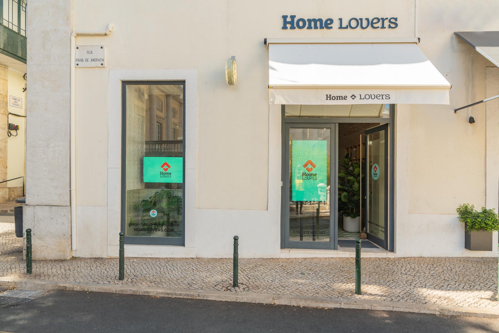 A fachada da loja / HomeLovers