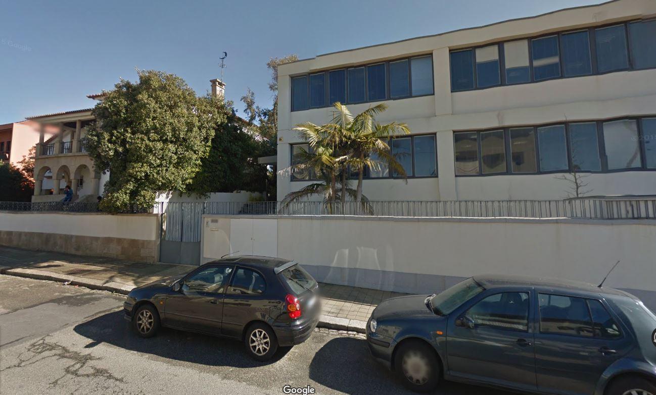 O antigo colégio INED (à esquerda) e a mansão de Jorge Mendes (à direita) / Google Maps