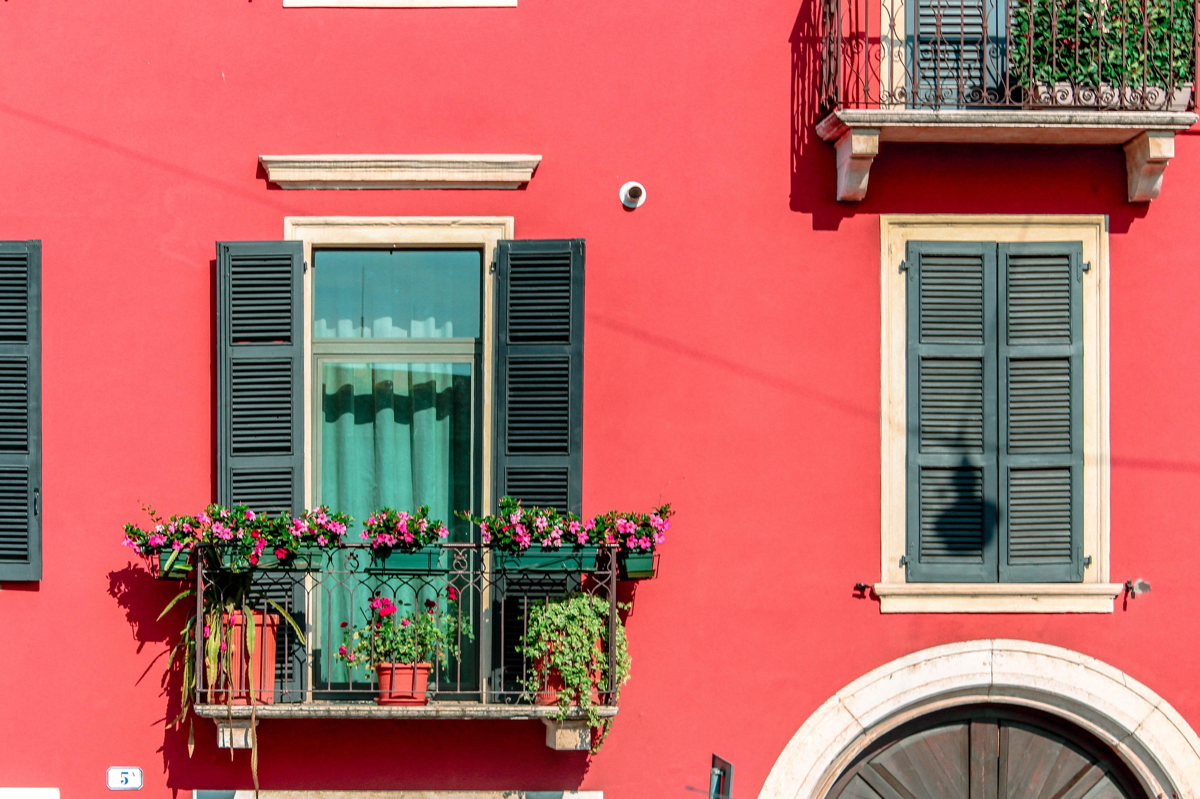 As varandas podem ser convertidas num jardim / Photo by nrd on Unsplash
