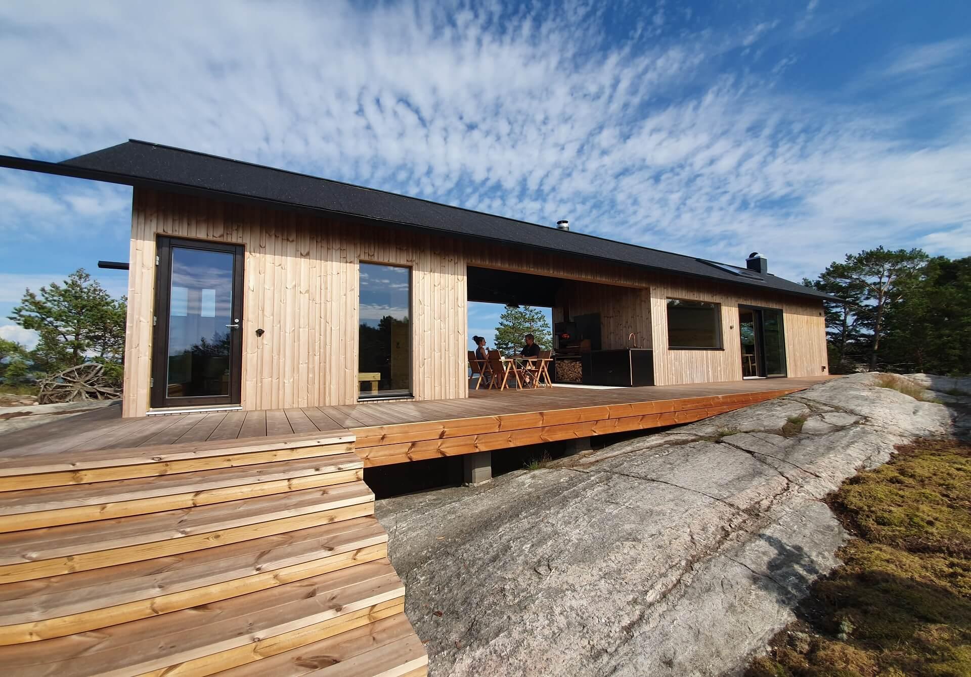 A fachada de uma das cabanas
