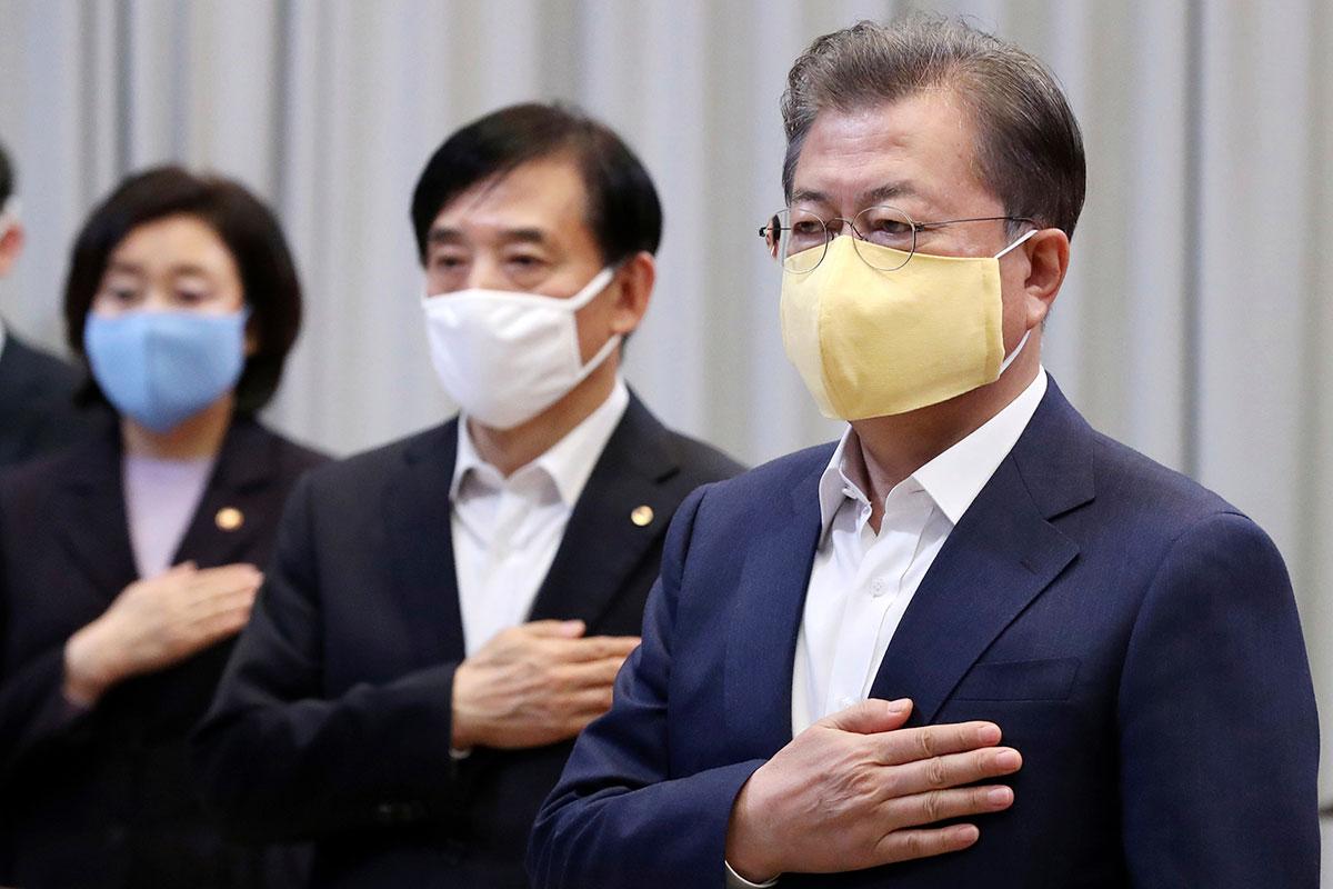 Presidente sul-coreano, Moon Jae-in, à direita / Gtres