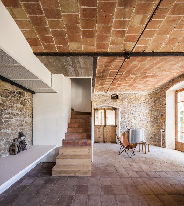 Sala e escadaria
