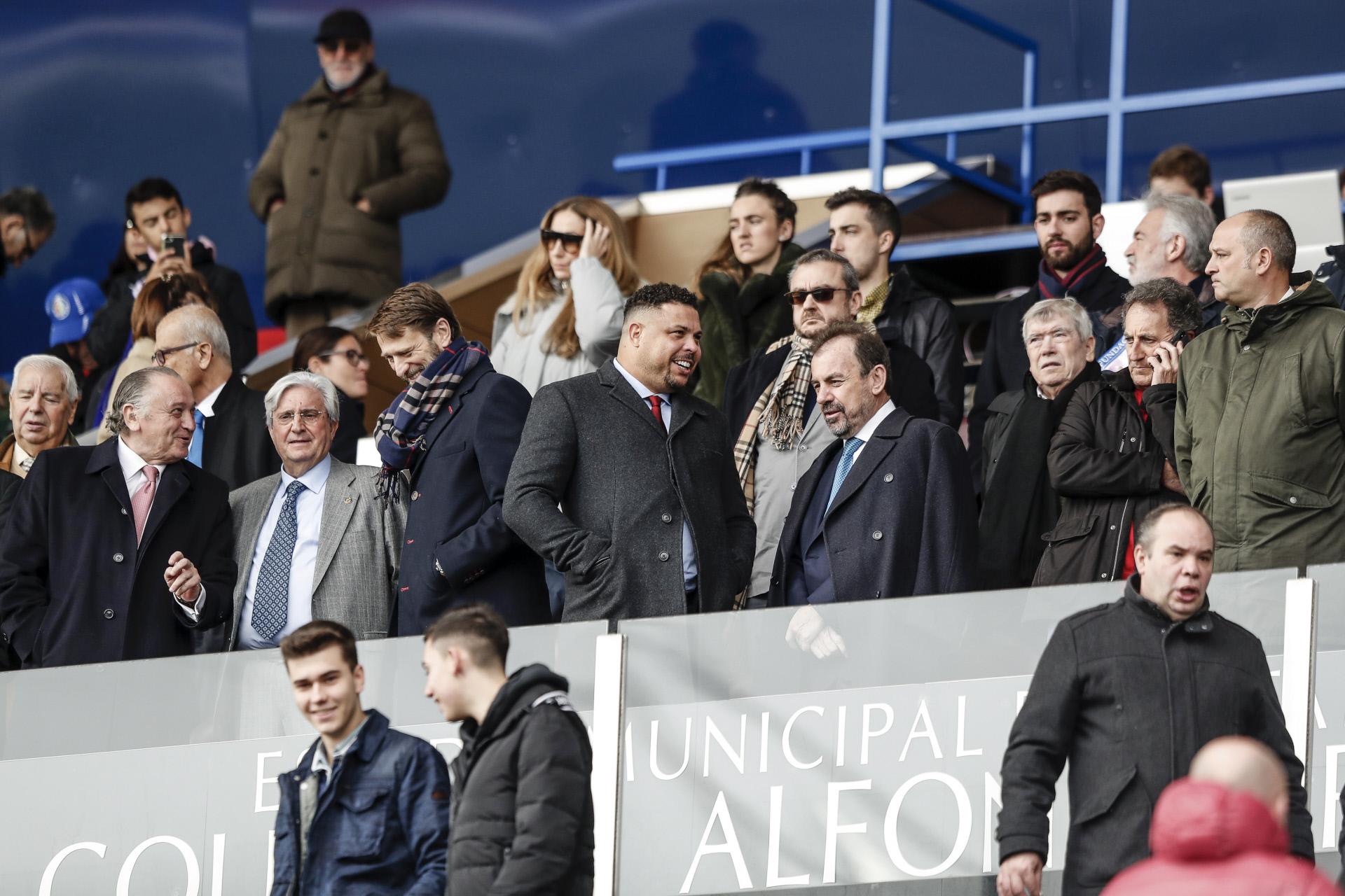Ronaldo Nazário (ao meio) é atualmente proprietário e presidente do clube espanhol Real Valladolid / Gtres