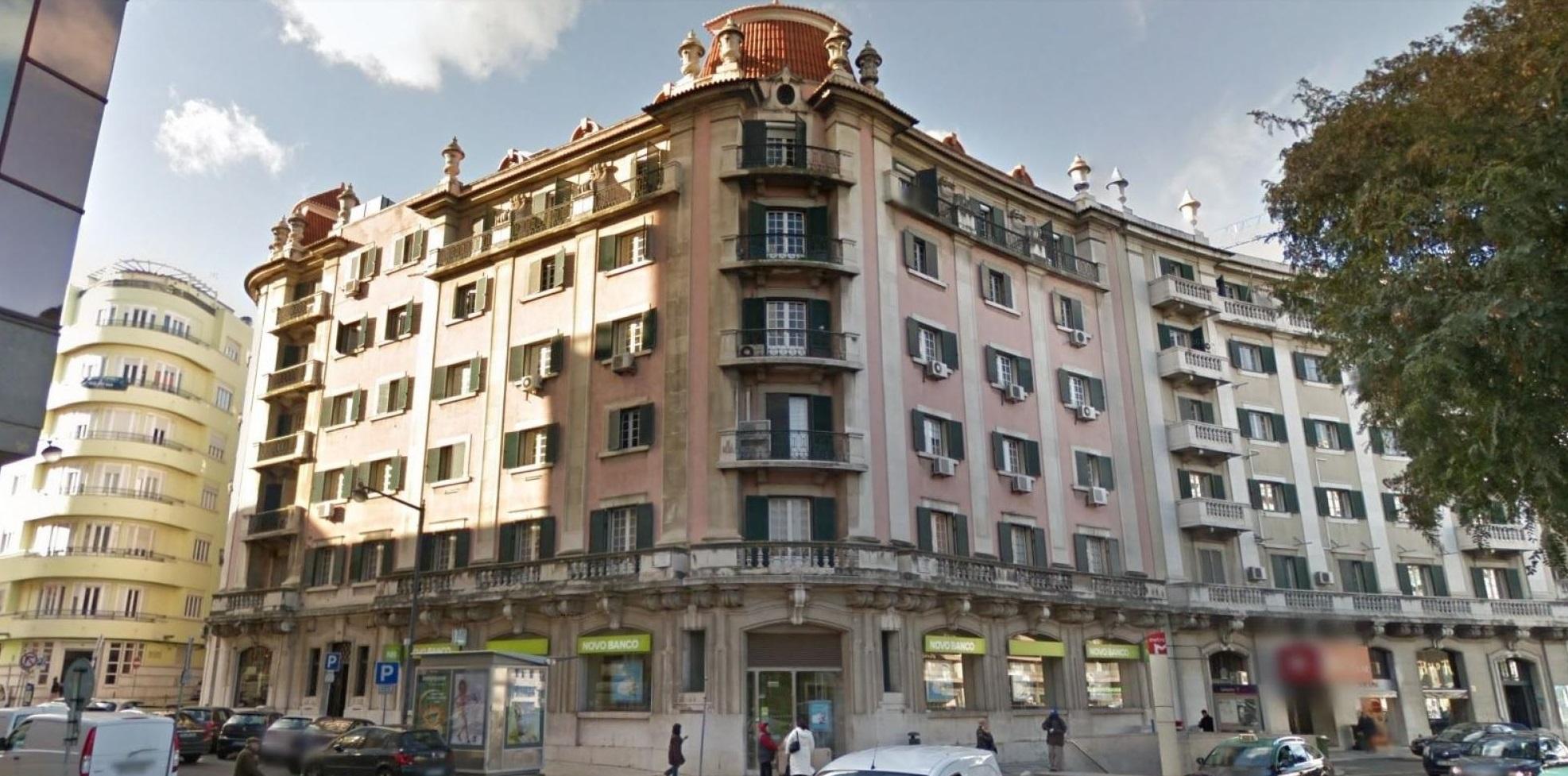 Este imóvel, localizado na Praça Duque de Saldanha 32, vai ser transformado em hotel / Vision Real Estate Solutions