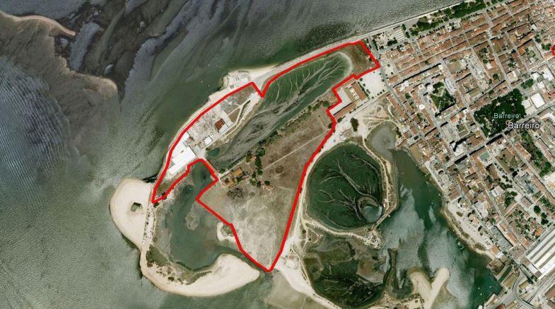 Delimitação da propriedade (via Google Earth)  / Câmara Municipal do Barreiro - Procedimento Quinta Braamcamp