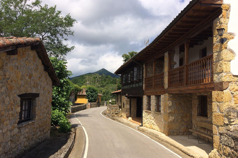 A povoação tem 12 edifícios individuais