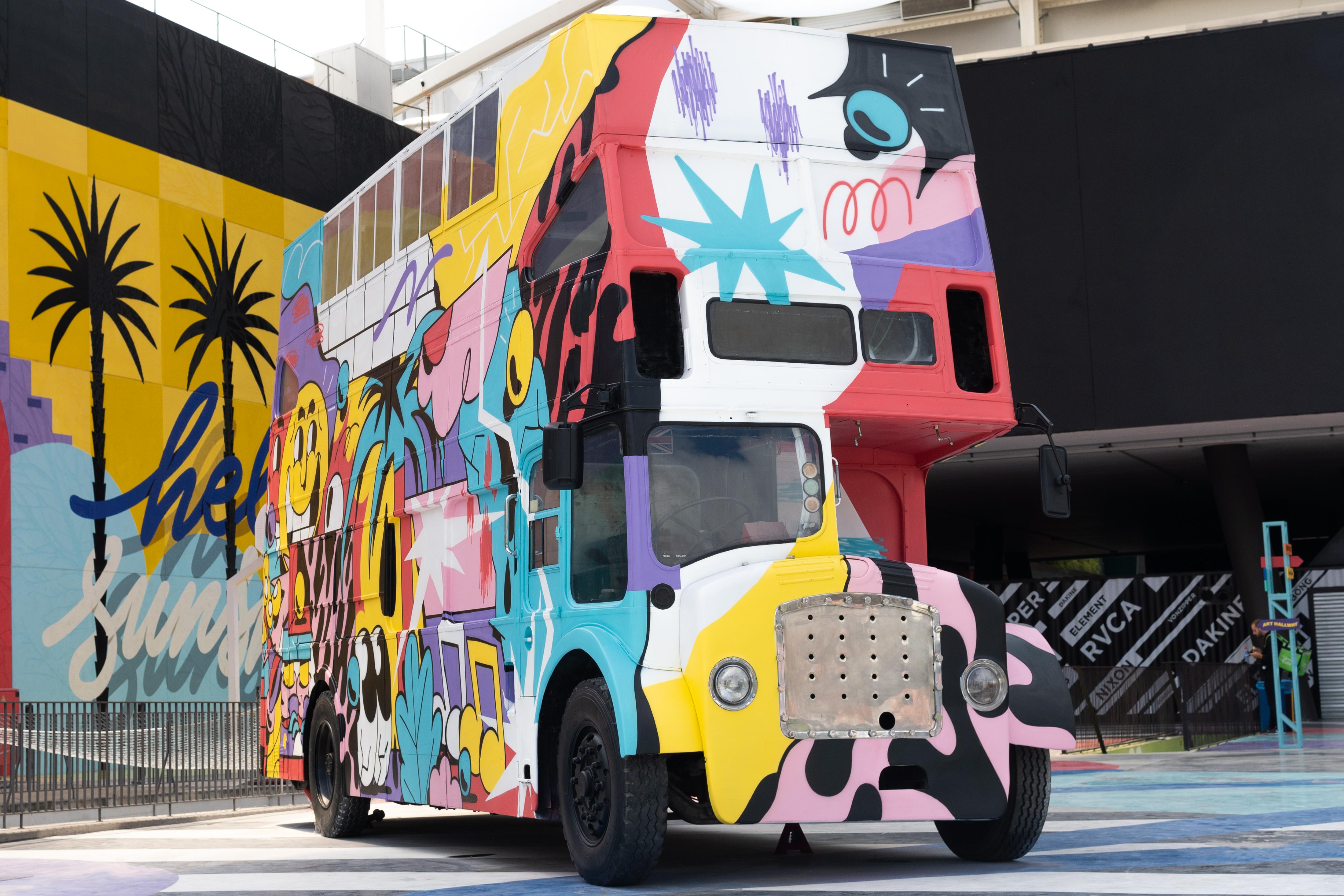 Oker - Bristol bus / The Hood
