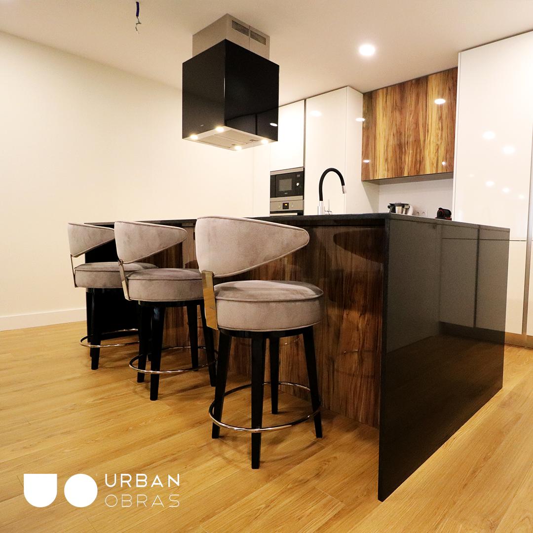Reabilitação e aproveitamento de piso inferior de uma moradia / Urban Obras
