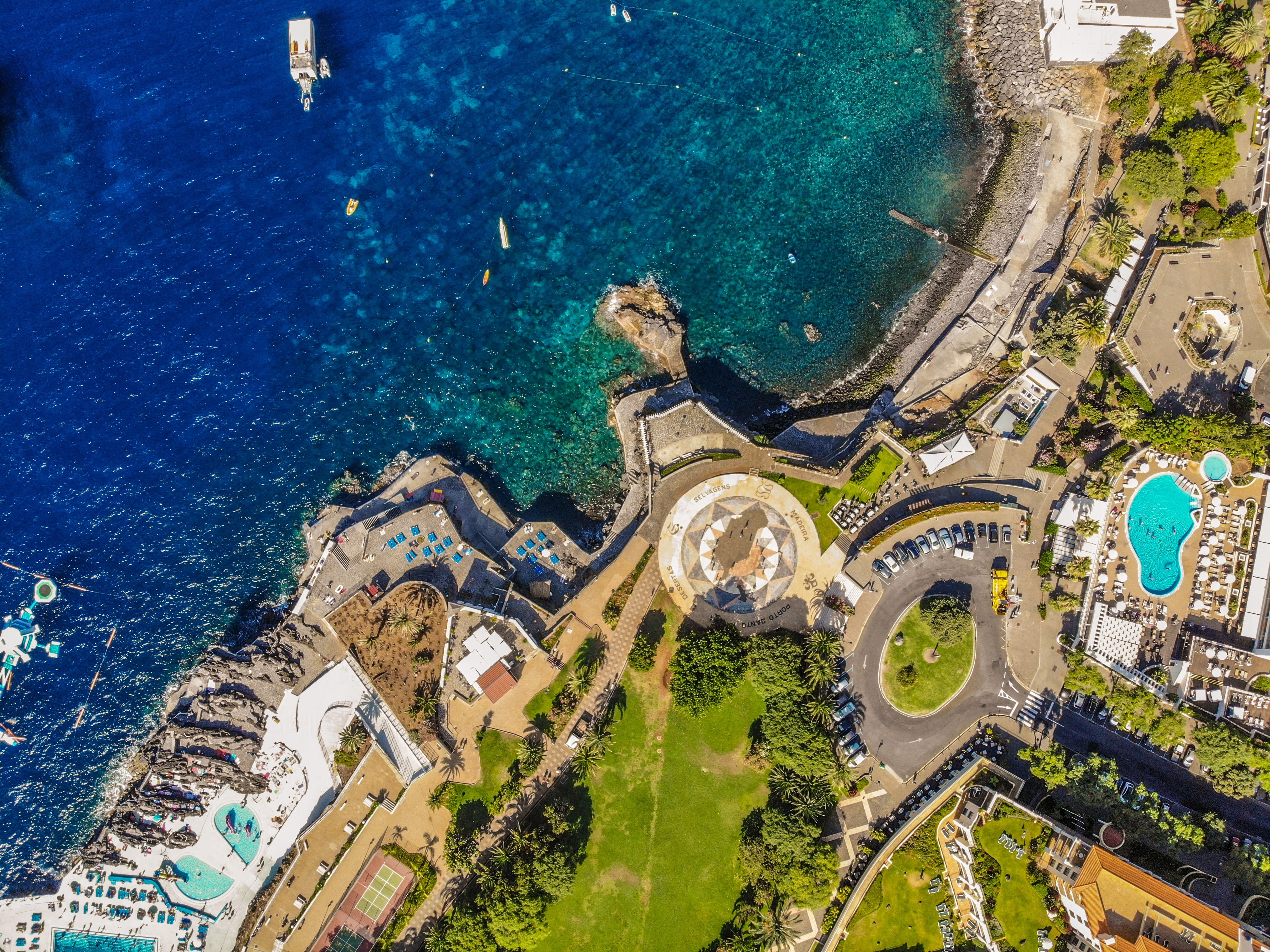 Funchal, Madeira / Photo by Reinaldo Garanito on Unsplash