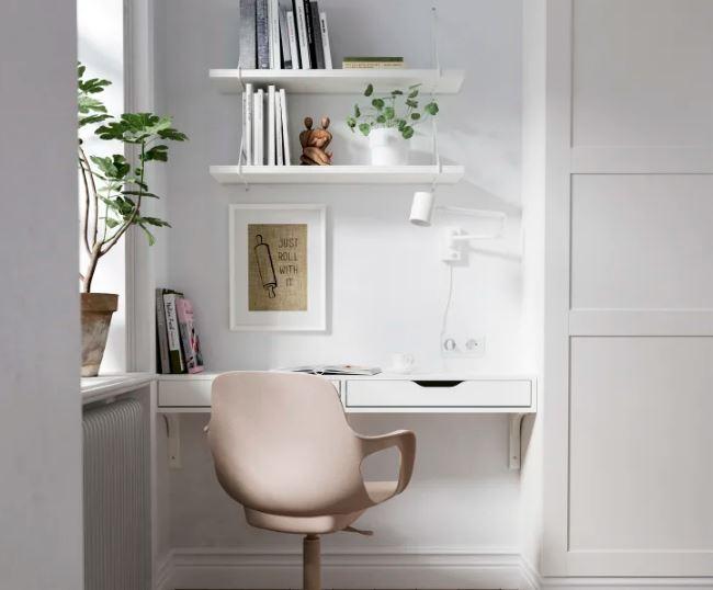 Mesa montada na parede