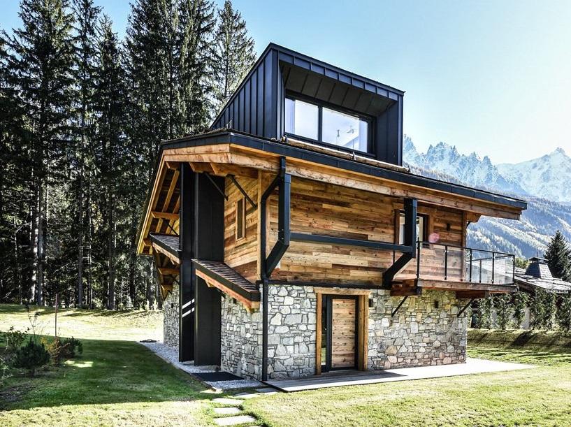 Uma das casas vista do exterior