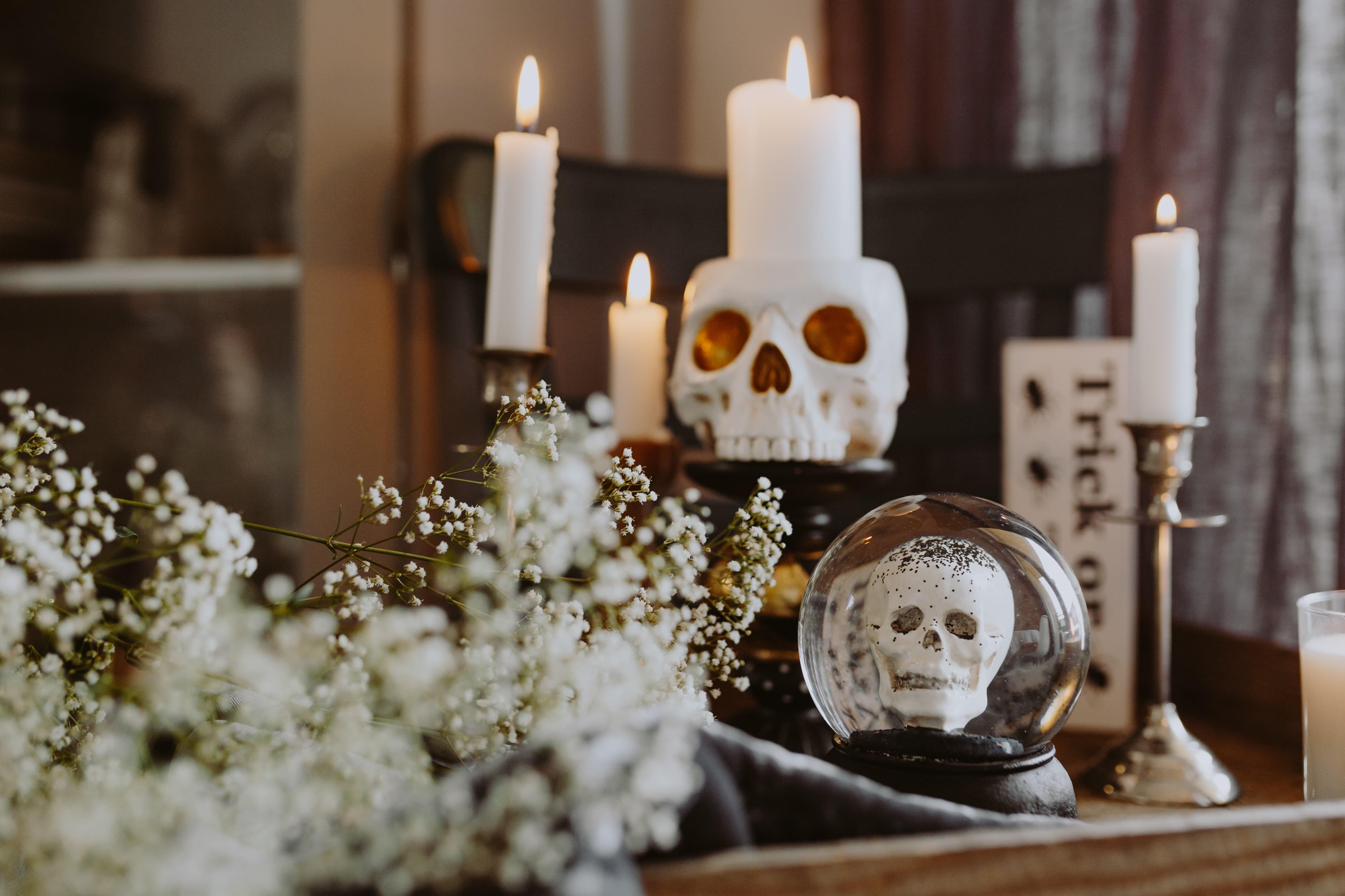Fantasmas, crânios e outros seres monstruosos
