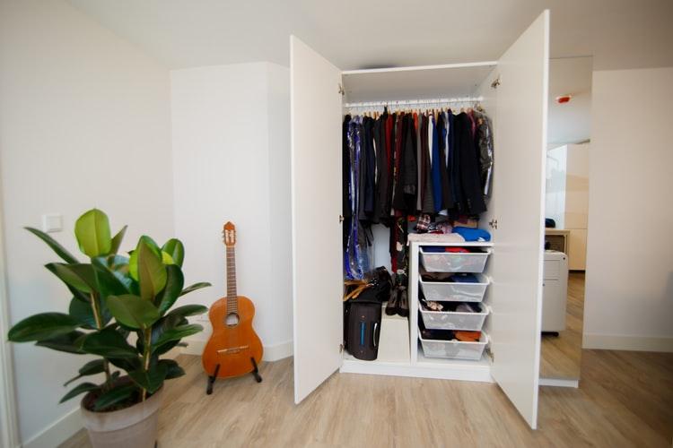 Um armário bem organizado