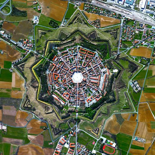 Palmanova (Itália) / Daily Overview/Maxar Tecnologies