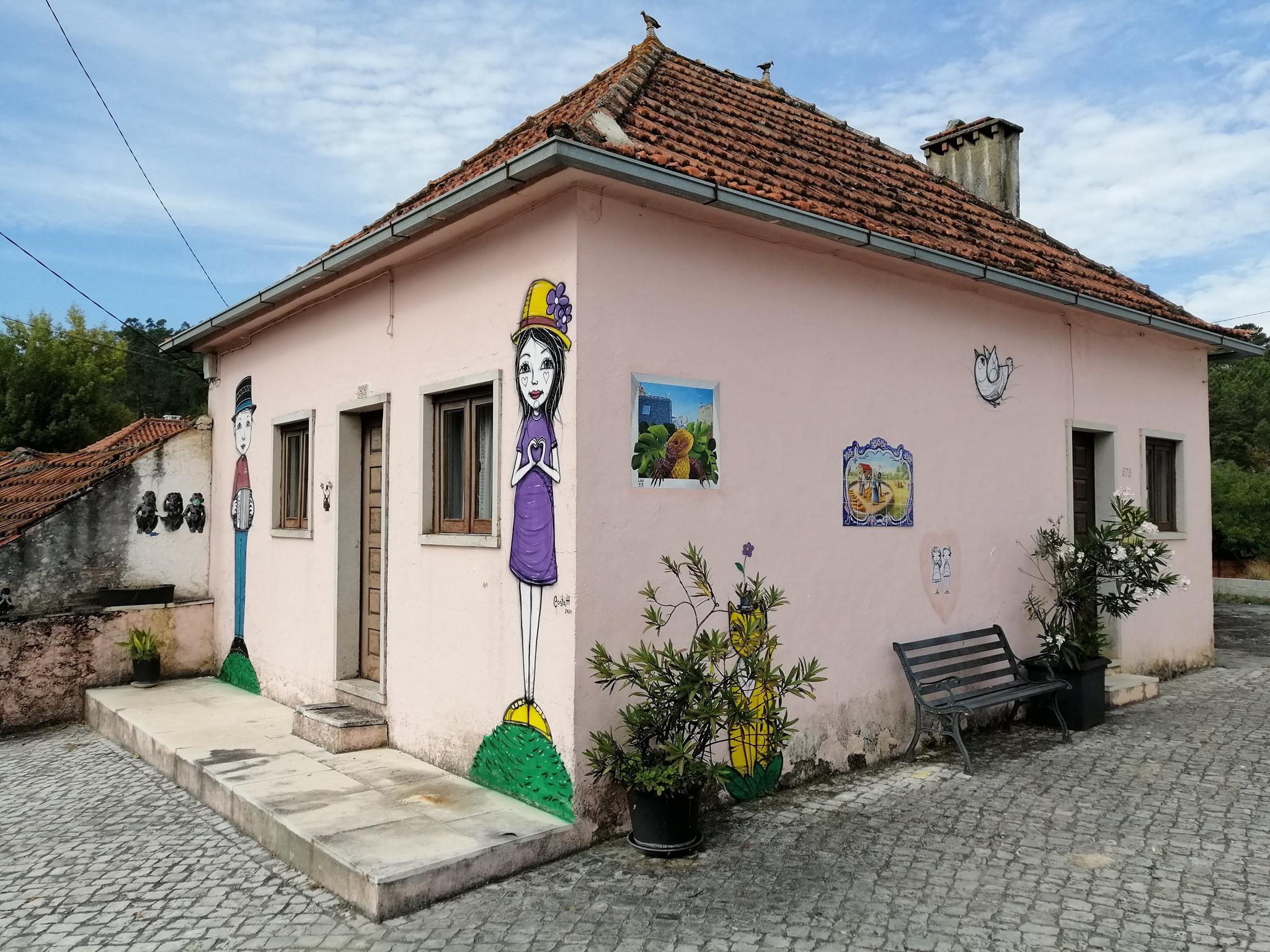 Mural pintado pelo artista portugês Costah / Facebook @Barrenta2480