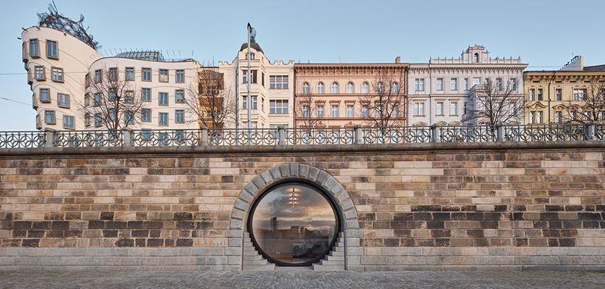 Prague Eyes - Riverfront Revitalization, vencedor Restoration & Renovation Architectural Design / architectureprize.com
