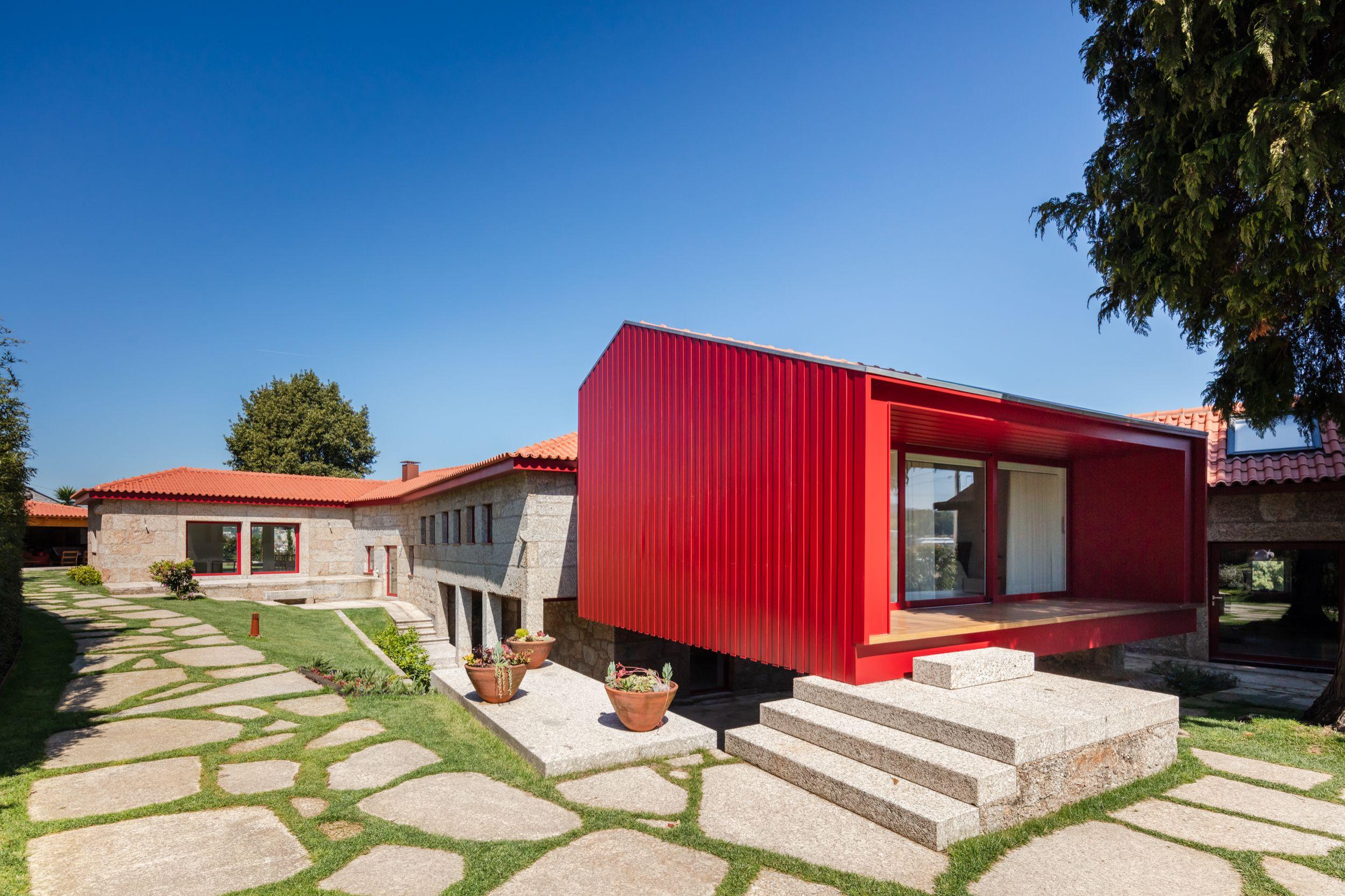QST House, vencedora na categoria Restoration & Renovatione (NOARQ) / João Morgado