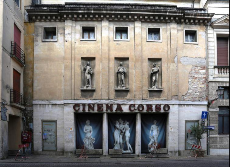 Vicenza, Itália - Cinema Corso, 2016 / ©SIMON EDELSTEIN
