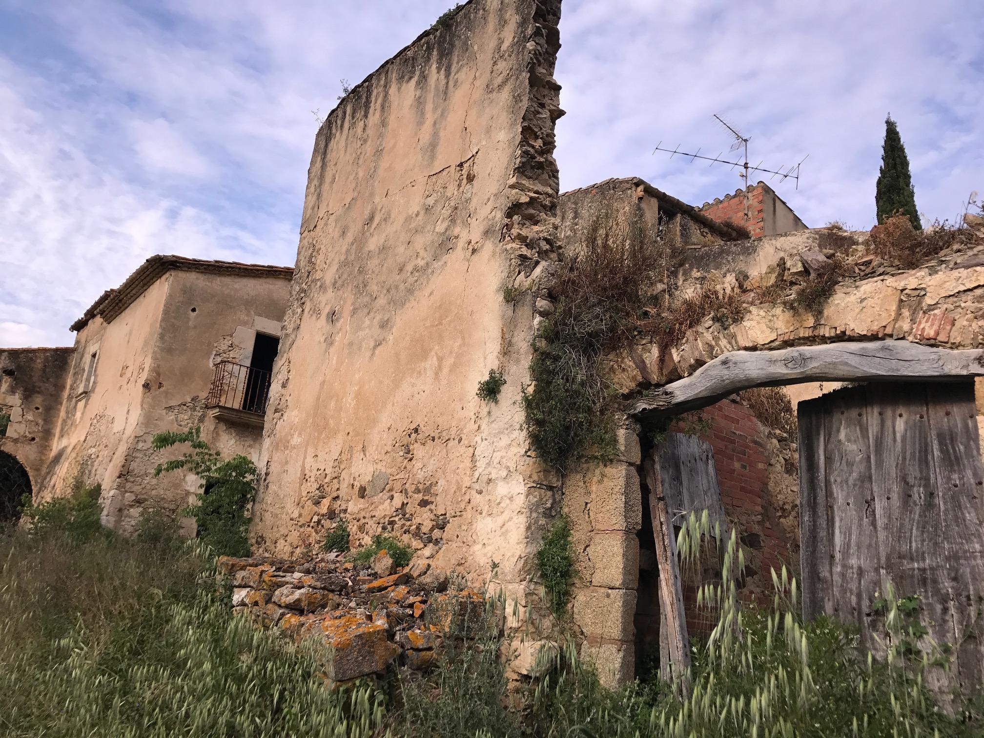 A quinta em ruínas / TRONC3