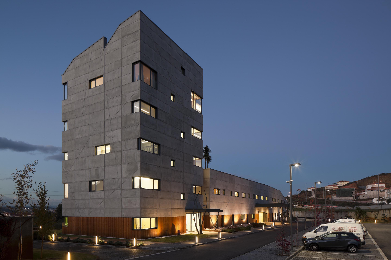 Centro Renal de Mirandela / MJARC Arquitectos