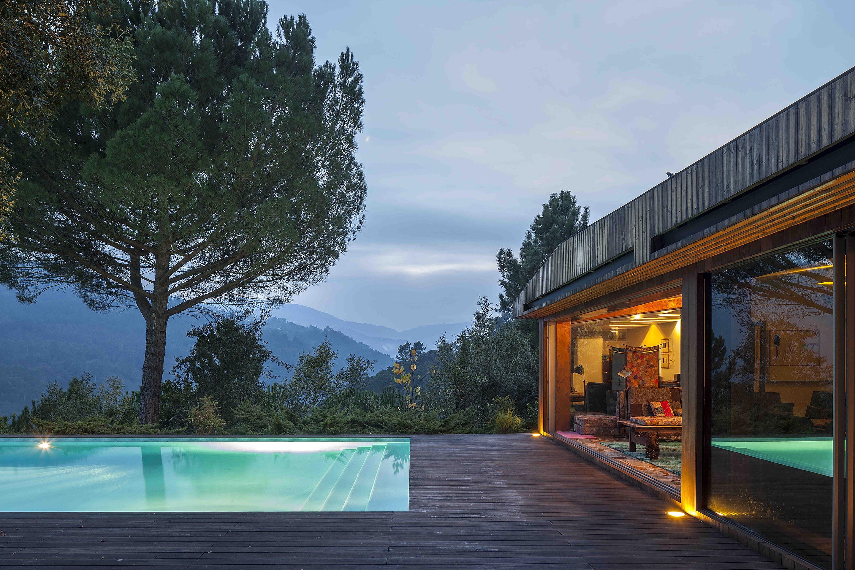 Casa no Vale do Douro, Marco de Canaveses / MJARC Arquitectos