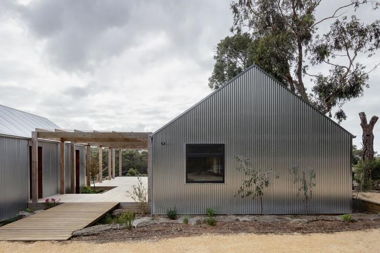 Casa pré-fabricada ecológica na costa australiana