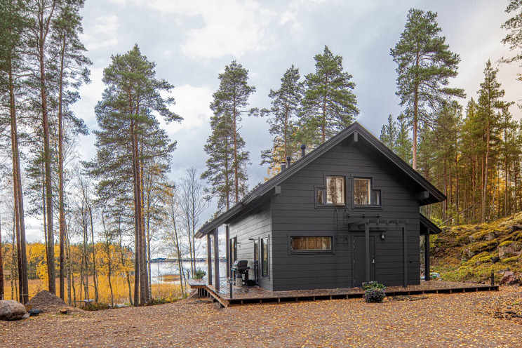 Casa pré-fabricada com sauna e jacuzzi na Finlândia