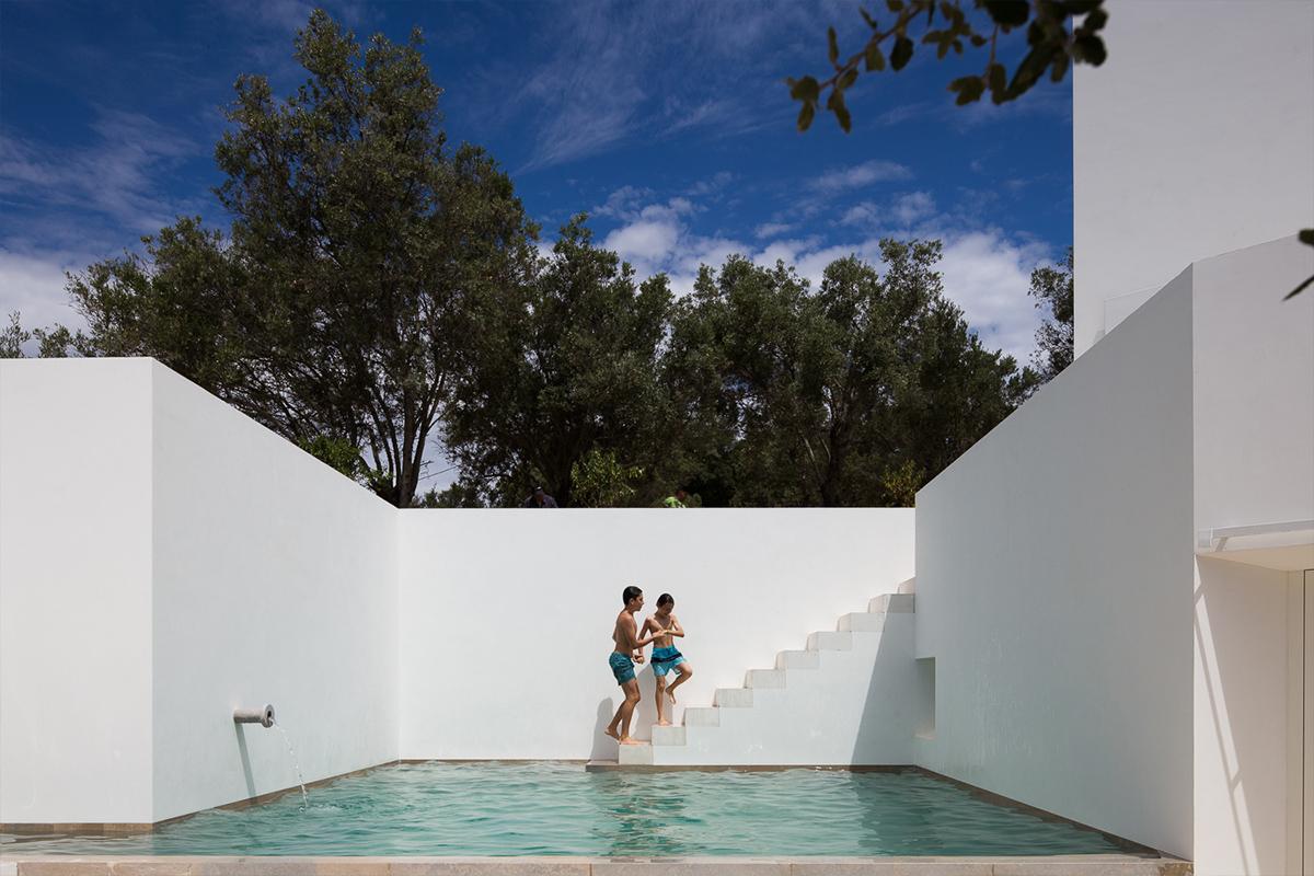 Casa Luum / Pedro Domingos Arquitectos /  Foto: Alexander Bogorodskiy