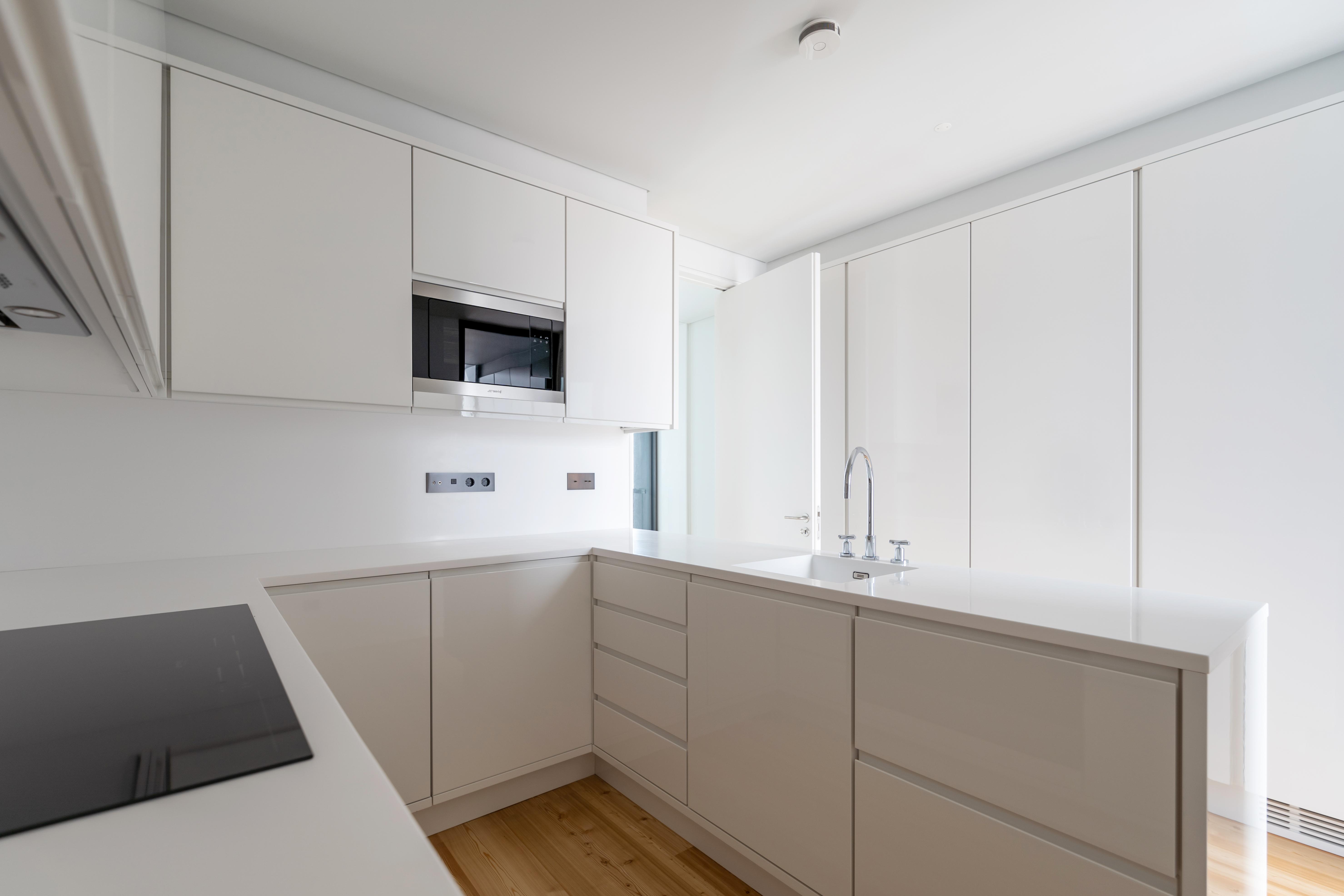 Cozinha do apartamento do 11º andar / Catarina Lopes