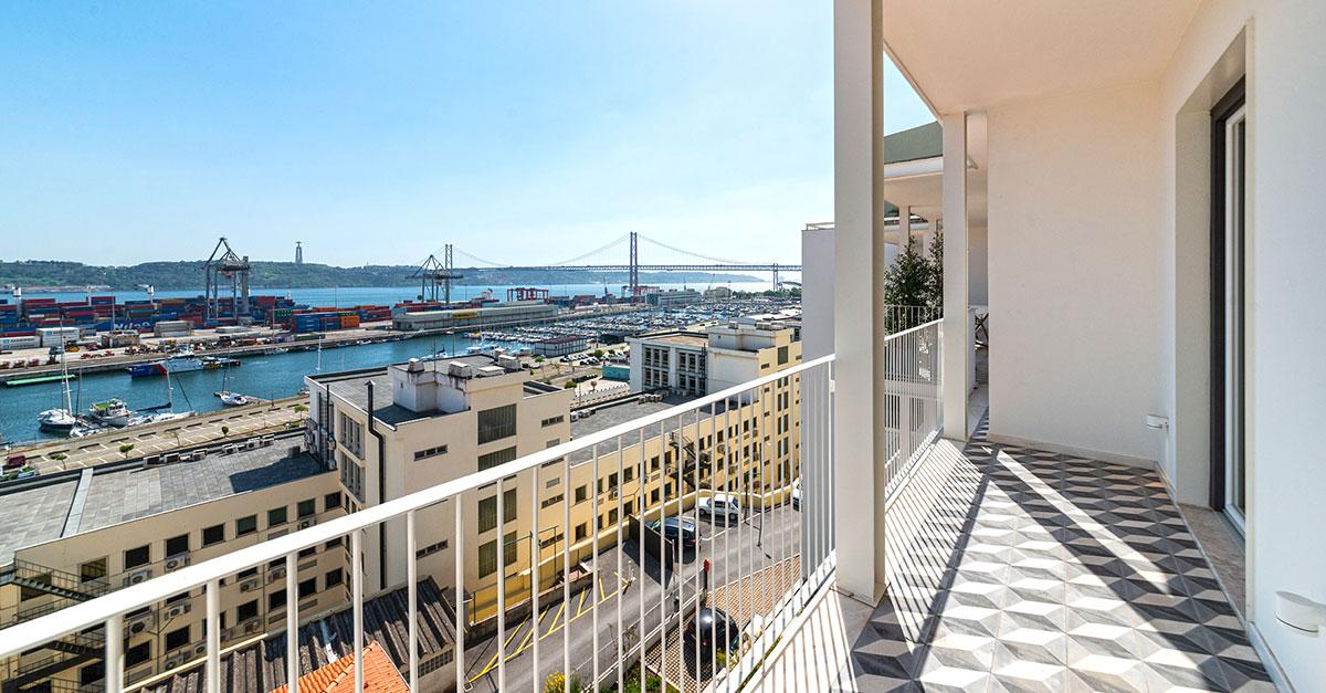 T2 duplex nas Janelas Verdes, em Lisboa / Lince Real Estate