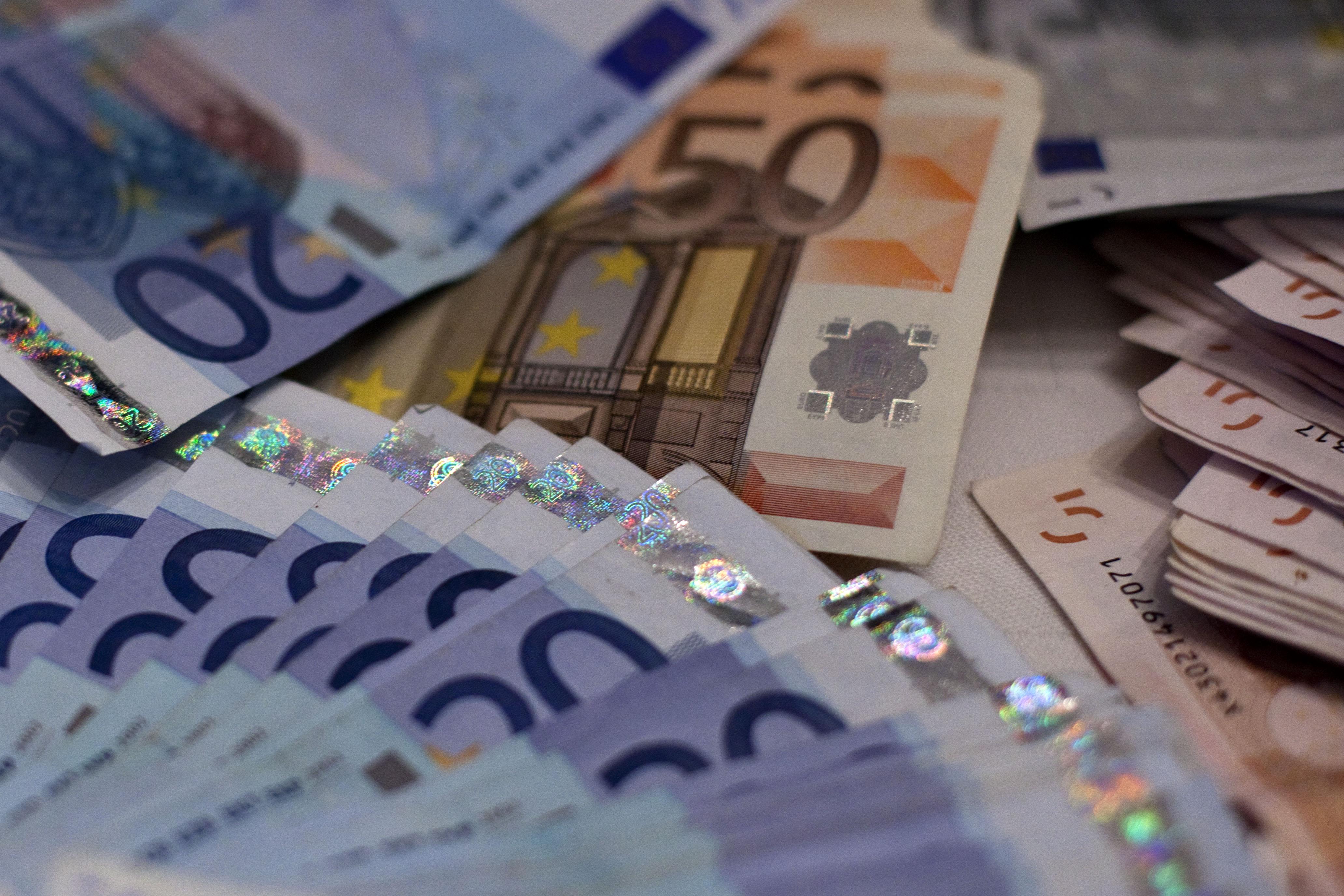Vistos 'gold': Investimento cai 81% em maio para 27,7 ME